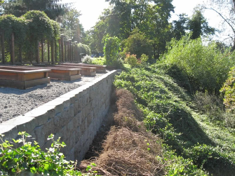 Block-Retaining-Walls-06