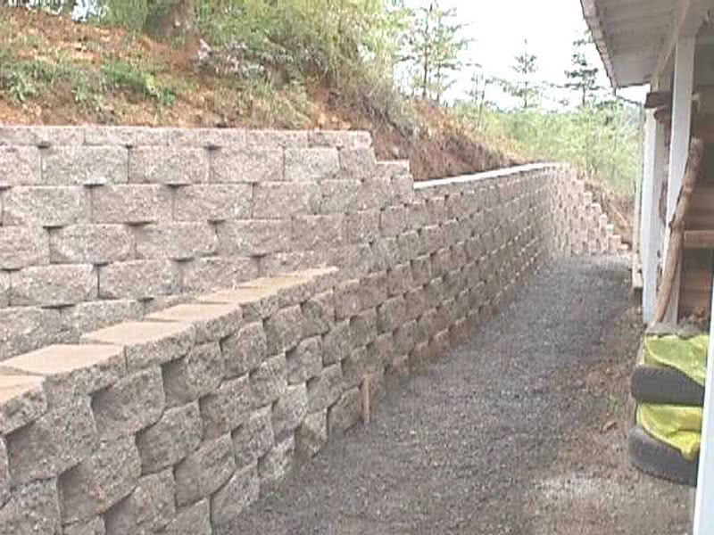 Block-Retaining-Walls-09