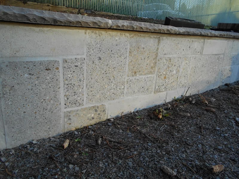Recycled-Concrete-Retaining-Walls-12