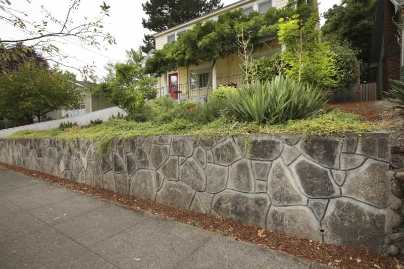 Recycled-Concrete-Retaining-Walls-22