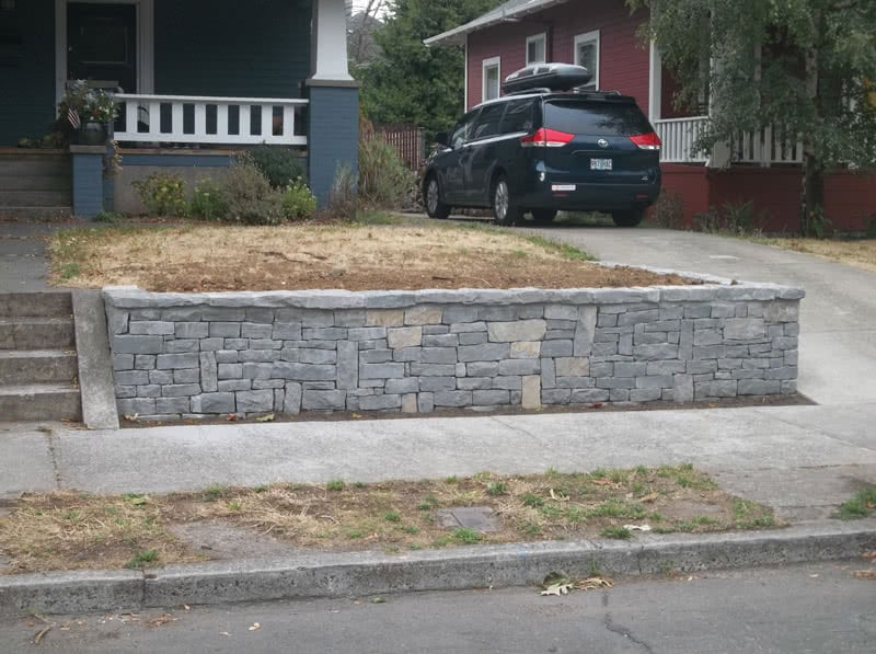 Stone-Retaining-Walls-07