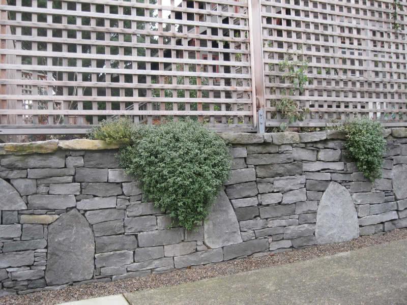 Stone-Retaining-Walls-11
